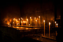 Kerzen in einem Kloster von pixelkoboldphotography