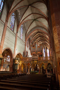 Nave and Rood Screen by safaribears