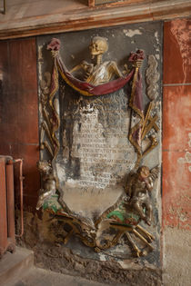Grave in Saint-Pierre-le-Jeune protestant by safaribears