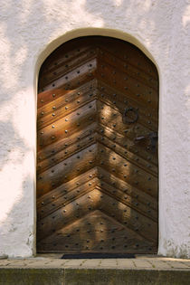 Door ancient  by dagino