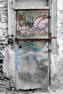 One door at Plaka, Athens_a von Pia Schneider