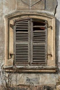 closed window shutter - geschlossener Fensterladen by Ralf Rosendahl