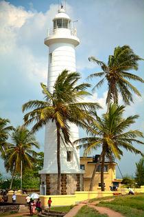 Leuchtturm auf einer Tropeninsel von Gina Koch