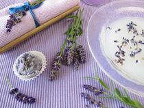Badezusatz mit Milch und Lavendel von Heike Rau