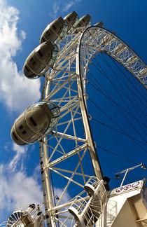 London-eye-clr-ver-hi