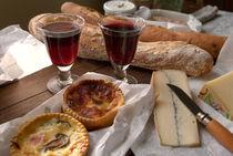 Bread and wine 1 - Brot und Wein 1 von Ralf Rosendahl