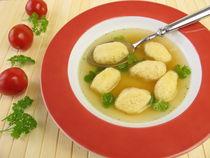Grießklößchensuppe by Heike Rau