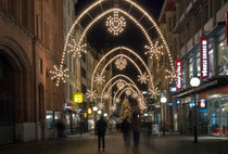 Freiestrasse in Basel mit Weihnachtsbeleuchtung by photoactive
