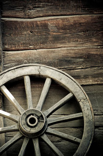 Wheel of wagon by Lars Hallstrom