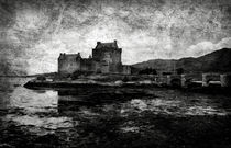 Eilean Donan castle in Scotland BW by RicardMN Photography