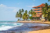 Hotel am Hikkaduwa Beach auf der Tropeninsel Sri Lanka von Gina Koch
