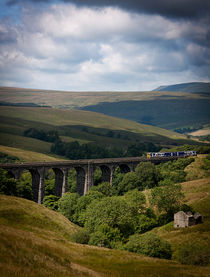 Yorkshire-dales-train