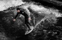 Mono Surfer  von Rob Hawkins
