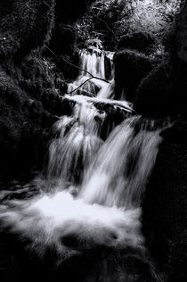 Mono Waterfall  by Rob Hawkins