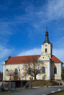 Gelbe Kirche in Tschechien von Gina Koch