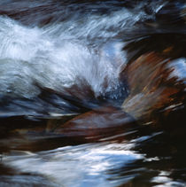 Whitewater gushing over stones von Intensivelight Panorama-Edition