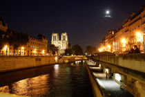 Seine and Notre Dame in Paris by Freddy Olsson