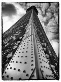 Eiffel Tower, rising by Iain Clark