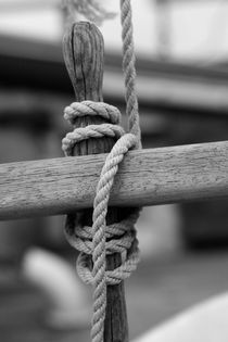 Belaying pin on a tall ship - monochrome von Intensivelight Panorama-Edition