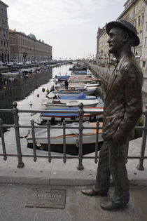 Bronze sculpture of James Joyce by Intensivelight Panorama-Edition
