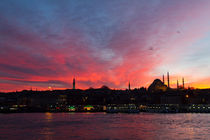Sunset over Eminonu, Istanbul von Evren Kalinbacak