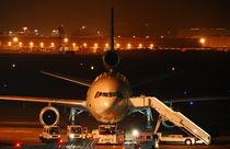 Flugzeug bei Nacht von Olaf von Lieres