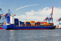 Containerschiff von Olaf von Lieres