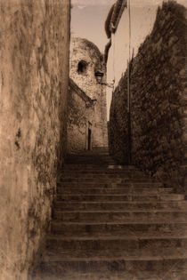Passage in Girona by Laura Benavides Lara