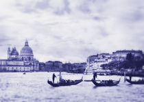Grand Canal in Venice, Italy. Photo in old color image style. von Serhii Zhukovskyi