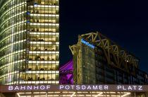 Berlin Potsdamer Platz bei Nacht von topas images