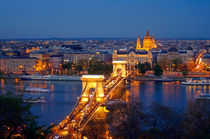Budapest-chainbridge-skyline