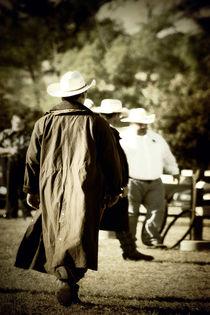 Trenchcoat Cowboy von Trish Mistric