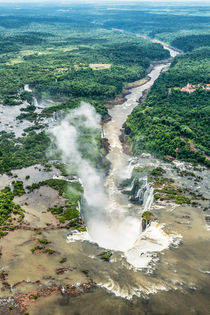Birds Eye View of Iguazu Falls # 2 von Russell Bevan Photography