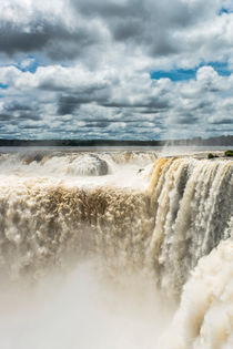 The Garganta Del Diablo at Iguazu Falls von Russell Bevan Photography
