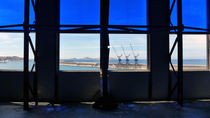 Blue view in Marseilles by blackscreen