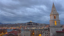 Le ciel de Marseille by blackscreen