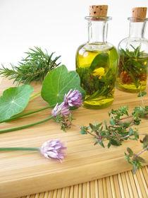 Kräuteröl mit Schnittlauchblüten von Heike Rau