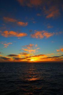 O-firefluxstudios-antarctic-sunrise