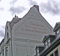 Sinnspruch an einer Hausfassade in Weimar, Thüringen von Eva-Maria Di Bella