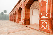 Humayun's Tomb in New Delhi. by Tom Hanslien
