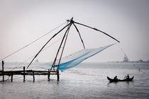 Chinese fishing nets in Fort Kochi. von Tom Hanslien
