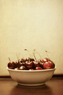 Bowl-o-cherries