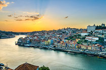 Sunset in Porto, Portugal von Michael Abid