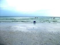Quiet Day on the Beach von skyler
