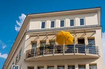 Haus mit Balkon von Erhard Hess