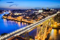Porto with the Dom Luiz bridge, Portugal von Michael Abid