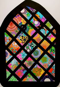 Spiral Stained glass window. von rachelevansdesigns