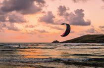 Lone-kite-surfer