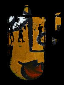 Walking in the face by Gabi Hampe