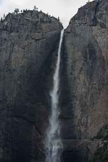 Yosemite waterfall by morningside